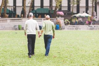 45歳以上のゲイの男性の半数以上はパートナーがいない