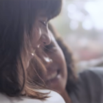 Samsung Galaxyの広告に妊娠をしたレズビアンカップルが出演