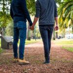 """ゲイにとっての""""交際までの標準的なタイムライン"""""""